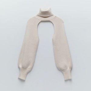 Blogger favorite Zara arm warmer sweater